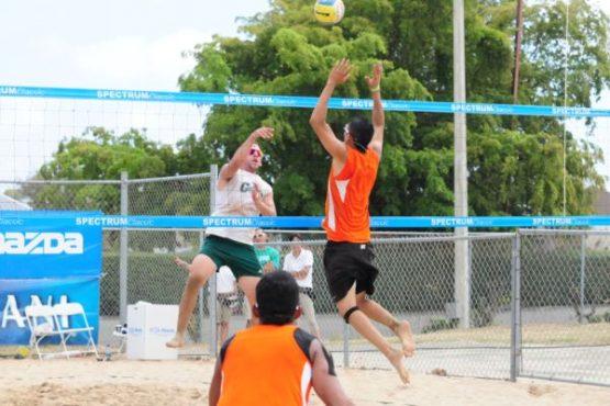 Turabo_campeones_en_voleibol_de_playa_editada