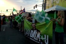 Partidarios se reúnen frente al comité central de Partido Independentista Puertorriqueño. (Suministrada)