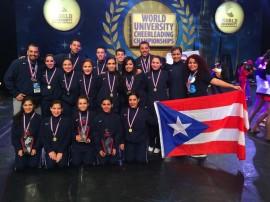 El equipo de baile deportivo de la Universidad de Puerto Rico en Bayamón.