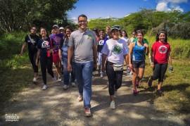 """El movimiento estudiantil """"Reforestación Colegial"""", del Recinto Universitario de Mayagüez, llevó a cabo su primera actividad ecológica en el Refugio Nacional de Vida Silvestre Laguna Cartagena, en Lajas.  (Suministrada)"""