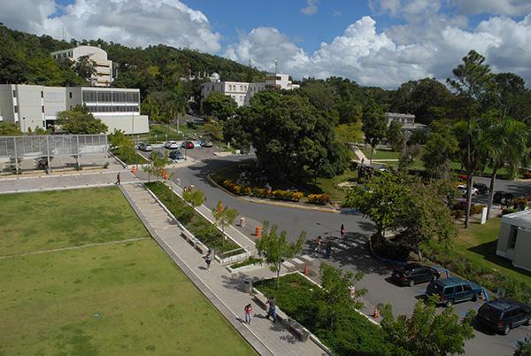 Cayey de la UPR/octubre 2009 (Ricardo Alcaraz/ Diálogo)