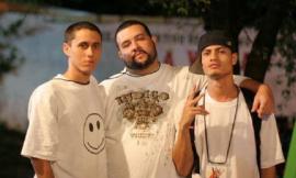 Canserbero, a la izquierda, junto al productor boricua Nuff Ced, al centro, y el rapero venezolano Lil Supa. (Suministrada)