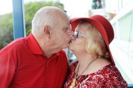 Francisco y Judith contrajeron matrimonio el 12 de marzo de 1960 y son padres de cuatro hijos y una hija. (Ricardo Alcaraz / Diálogo)