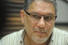 Para Carlos Pabón, un movimiento de izquierda en el contexto actual debe contar con una plataforma democrático-radical, anti capitalista y anti neoliberal, que se oponga a las políticas de exclusión y desigualdad económica. (Ricardo Alcaraz / Diálogo)