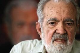 El escritor falleció en la tarde de hoy en su casa en Trujillo Alto.