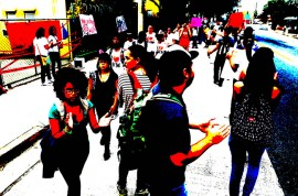Piquete en el Escuela Ramón Vila por rumor de cierre/20 de marzo 2012