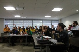 Estudiantes se oponen al IVA (Ronald Avila/ Diálogo)