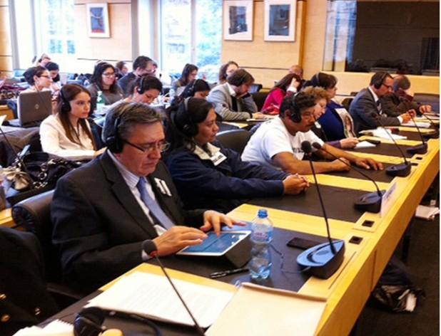 Representantes de víctimas, del gobierno y de organizaciones civiles durante el examen de México en el Comité contra las Desapariciones Forzadas, en Ginebra. (Suministrada/ IPS)
