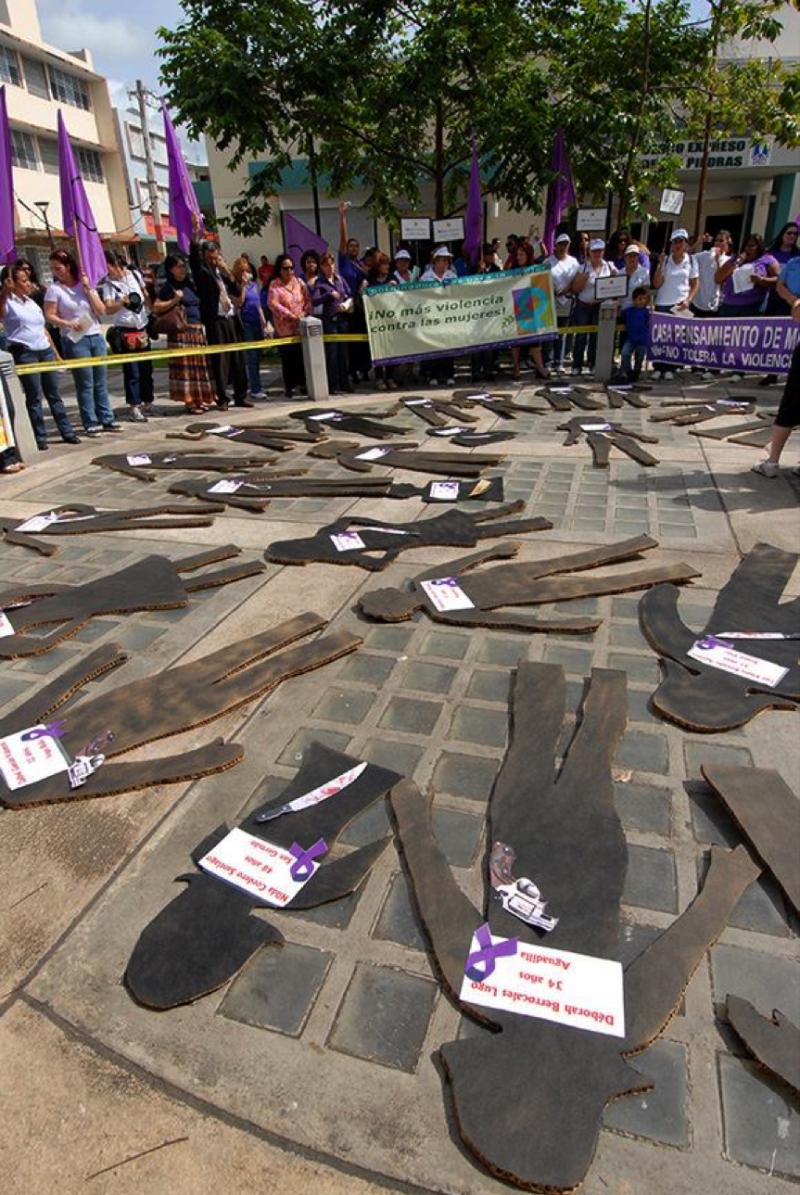 No más violencia contra la mujer. (Ricardo Alcaraz / Diálogo)