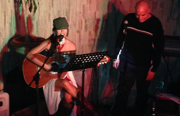 La cantautora Ivania