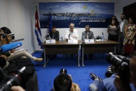 El director general para América del Servicio Europeo de Acción Exterior, Christian Leffler, en el centro, durante su encuentro con los periodistas en La Habana, tras la tercera ronda negociadora de Cuba y la Unión Europea para alcanzar un acuerdo marco de cooperación bilateral. ( Jorge Luis Baños/IPS)