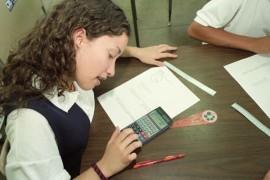 La principal propuesta del movimiento estudiantil durante los pasados dos años ha sido que los servicios educativos que contrata el Departamento de Educación sean brindados por la Universidad de Puerto Rico.