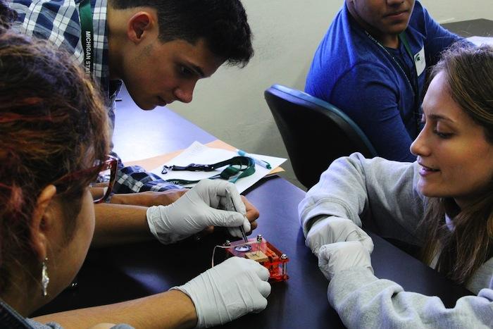 Taller de neurociencia en la UPR Humacao (Suministrada)