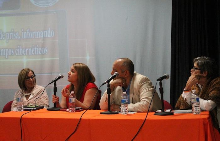 Periodistas ofrecen conferencia en la Universidad de Turabo
