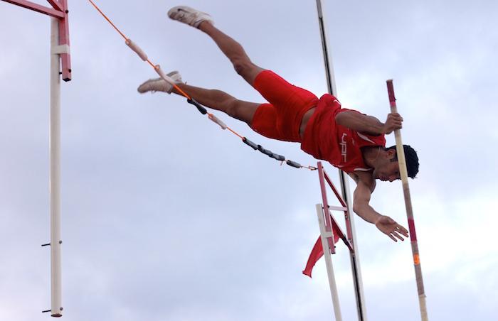 Joel París atleta de UPRRP