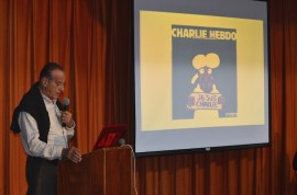 La UPR en Cayey organizó un foro para discutir la función de la sátira partiendo del atentado al semanario satírico francés Charlie Hebdo. En la foto, el presidente de la Asociación de Caricaturistas de Puerto Rico, Arturo Yépez. (Fotos por David Pérez Aponte / Diálogo)