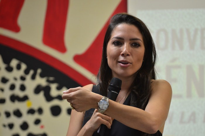 Alexandra Lúgaro conversó con estudiantes de la Universidad de Puerto Rico de Río Piedras.