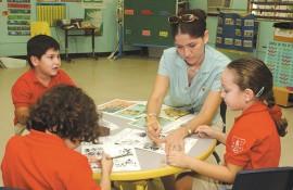 Escuela Elemental de la UPR/diciembre 2003/foto por Ricardo Alcaraz Díaz