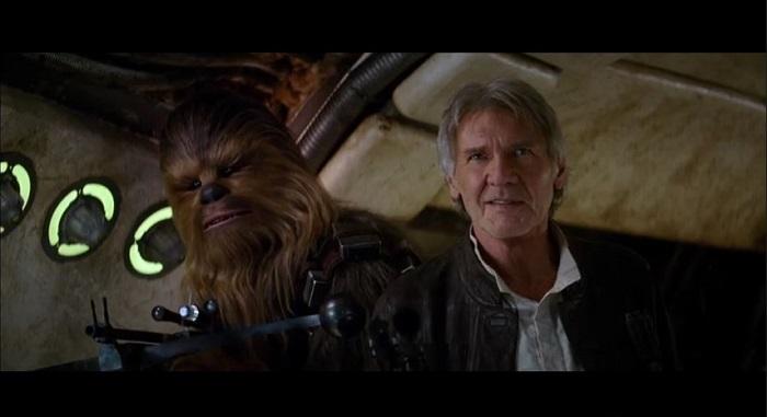 Harrison Ford como Han Solo y Peter Mayhew como Chewbacca.