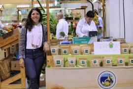 Rohelen Negrón, con tan solo 20 años, se encuentra produciendo y vendiendo Granola en diferentes partes de Puerto Rico. (Michelle Estades)