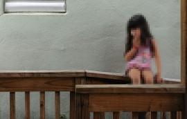 Según la profesora, las instituciones para atender la población infantil que sufre de abuso sexual están corrompidas por el amiguismo político y la resistencia a reconocer los reclamos de justicia que esconden las almohadas. (Ricardo Alcaraz / Diálogo)