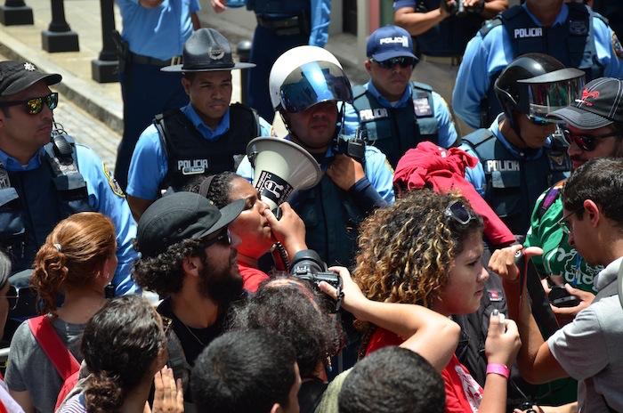 Sobre la indiferencia policiaca y el porqué se lucha. (David D. Pérez / Diálogo)