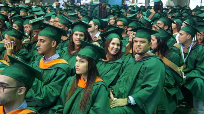 Graduación del RUM. (Archivo)