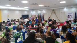 Delegadas a la Primera Cumbre de Lideresas Afrodescendientes de las Américas participan en uno de los grupos de trabajo que se desarrollaron durante la cita de tres días, celebrada en Managua, Nicaragua, entre el 26 y el 28 de junio. Crédito: José Adán Silva/IPS