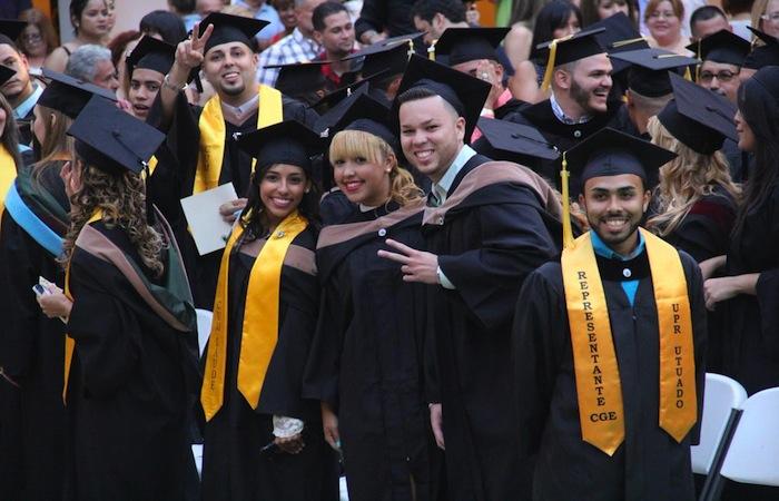 La graduación se celebra en el patio interior del campus utuadeño. (Suministrada)
