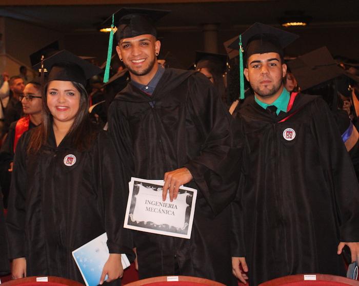 Graduación 2015 de la UPR en Carolina. (Estefanía M. Montañez / Diálogo)