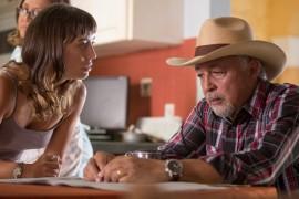 Marisé Álvarez y Sunshine Logroño en una escena de la película. (Suministrada)