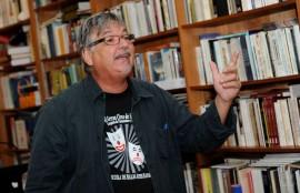Luego de estudiar pantomima en Francia a finales de los años setenta, Oliva regresó a la isla en el 1983 con Los titingós de Juan Bobo dándole paso al personaje más reconocido de su repertorio. (Diálogo / Ricardo Alcaraz)
