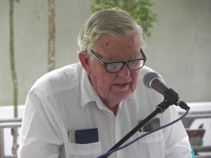 El doctor Fernando Picó brindó un mensaje alentador en los actos de conmemoración del natalicio de Luis Muñoz Rivera en Barranquitas. (Cristian Arroyo/Diálogo UPR)