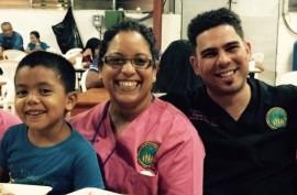 El investigador Victor E. Reyes con los colaboradores en El Salvador. (Suministrada)