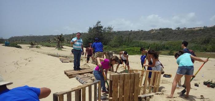 Vida Marina, iniciativa de la UPR en Aguadilla, fue reconocida por restaurar varias localizaciones de la costa noroeste de Puerto Rico. (Suministrada)