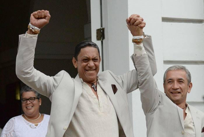 Cerca de 60 parejas contrajeron matrimonio ayer, en la primera boda masiva gay  celebrada en Puerto Rico. (Ricardo Alcaraz / Diálogo)