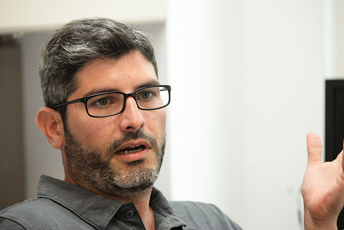 El profesor Rubén Ramírez Sánchez, catedrático de la Escuela de Comunicación de la Universidad de Puerto Rico. (Ricardo Alcaraz/Diálogo)