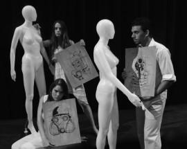 Terror y miserias en el Tercer Milenio honrará las técnicas de Brecht con solo dos actores: Luis Ra Rivera encarnará a los tres hombres y Gabriela Saker junto a Zailyn Cuevas doblaran funciones como las mujeres. (Suministrada)