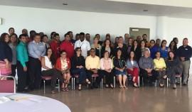Grupo de profesionales que dijo presente en la Asamblea Fundacional del INESI. (Michelle Estades/ Diálogo)