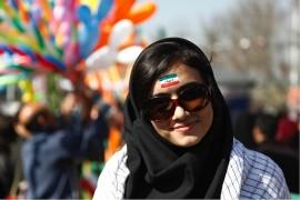 Aunque teóricamente en Irán la mujer es libre para elegir marido, no siempre ocurre así. Muchas familias se rehúsan a dividir su patrimonio y conciertan matrimonios entre familiares. Lo más preocupante son los arreglos matrimoniales con menores. Entre 2013 y 2014, hubo más de 40,000 niñas entre los 10 y 14 años que contrajeron matrimonio. (Jaime Gárate)