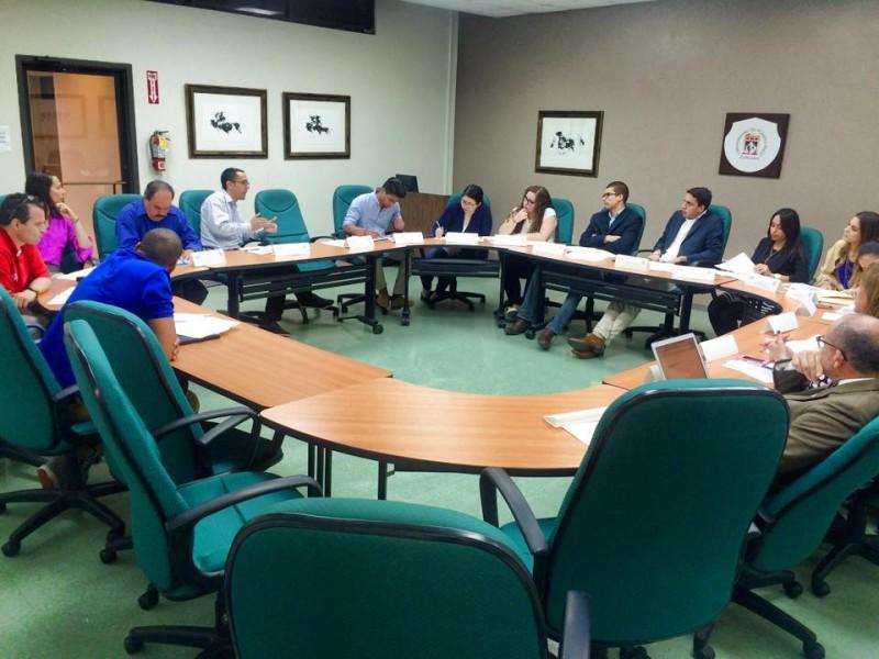 Miembros del comité de evaluación de las propuestas. (Suministrada)