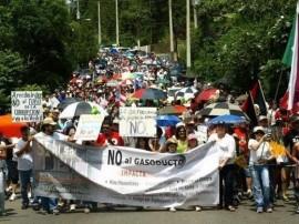 Arecibeños se manifiestan en contra del gasoducto. (Suministrada)