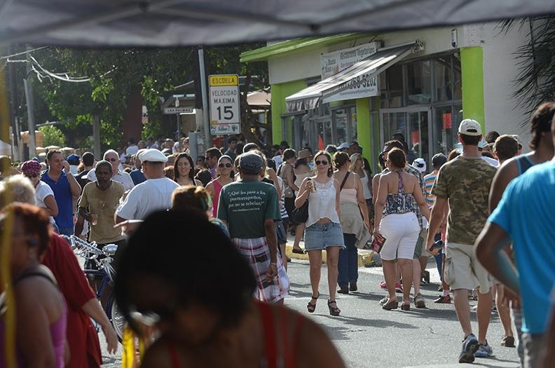 Fiestas de la calle Loíza 2014. (Ricardo Alcaraz/ Diálogo)