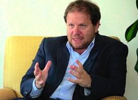 El periodista y economista argentino Carlos Burgueño. (Suministrada)
