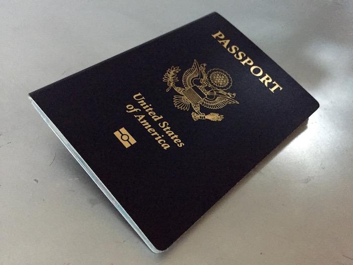 Aunque la Ley de Nacionalidad de 1940 establece que todo el que nazca en Puerto Rico recibirá la ciudadanía estadounidense bajo las mismas protecciones constitucionales que los nacidos en alguno de los 50 estados, el Congreso continúa citando los Casos Insulares para definir los derechos que aplican a Puerto Rico. (David Cordero Mercado / Diálogo)