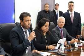Presentación del Plan de Ajuste Fiscal. (Ronald Ávila / Diálogo)