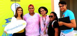 Los estudiantes de la UPRU compartiendo con la empresaria Alessandra Correa. (Suministrada)