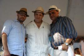 De izquierda a derecha los trovadores Eduardo Villanueva, Jovino Gonzalez y Omar Santiago. (Suministrada)