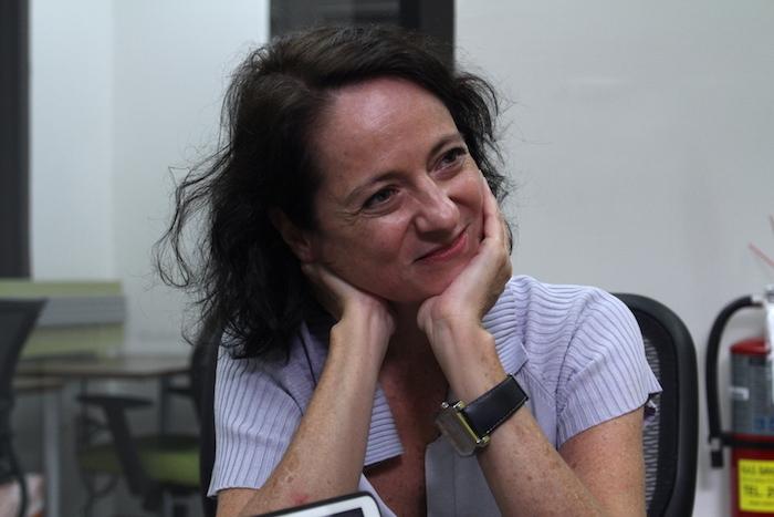 Marta Sanz cree firmemente en la literatura y la cultura como instrumentos para nada inofensivos y que deben asumirse con seriedad y entereza (Adriana De Jesús Salamán / Diálogo)