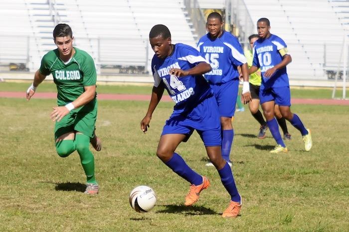 Los oncenos de Universidad de Islas Virgenes y el Colegio de Mayaguez aseguraron la primera posición de la temporada regular. (Luis F. Minguela Archivo LAI)